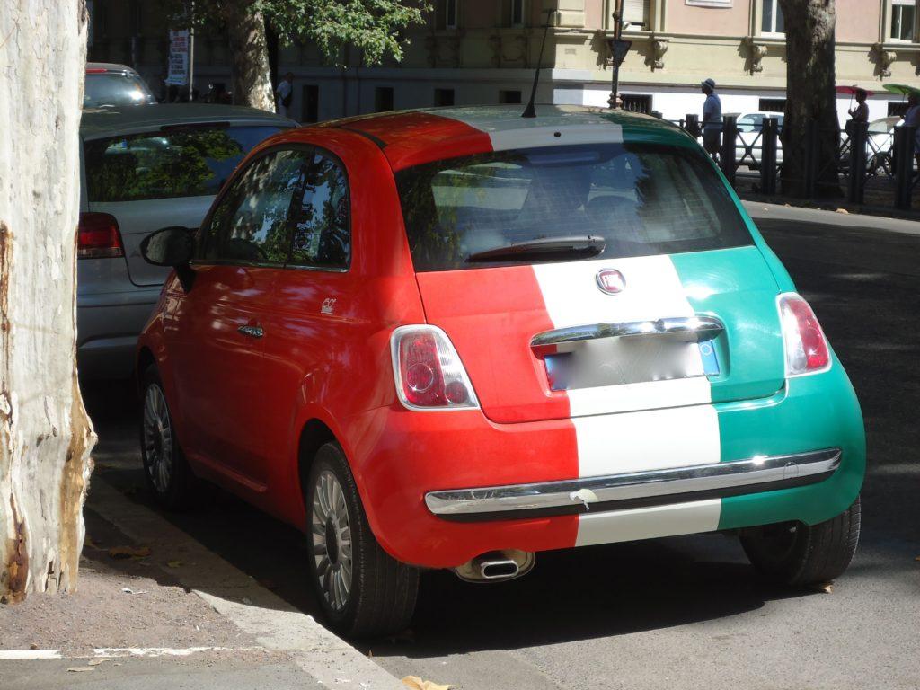 Fiat auto - Italiaanse vlag kleuren - Rome