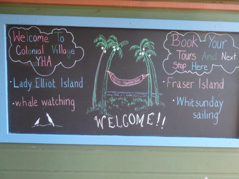 Welkomstbord YHA hostel Hervey Bay