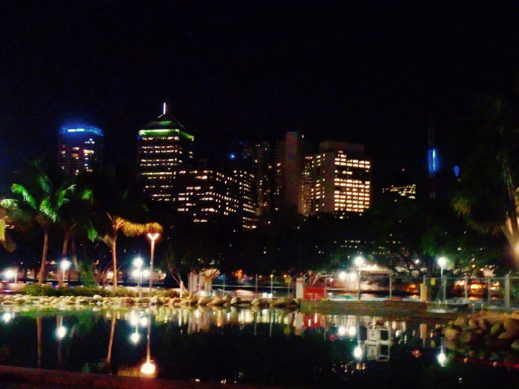lagune Brisbane by night