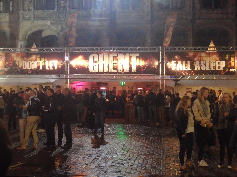 Don't-Let-Ghent-Fall-Asleep-Korenmarkt-Gent-Gentse-Feesten