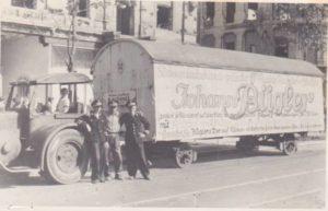 Oude circuswagen