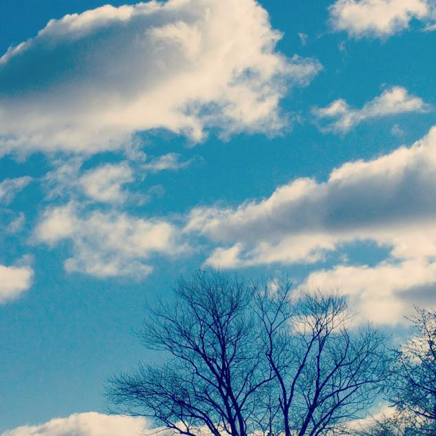 blauwe lucht op 1 december