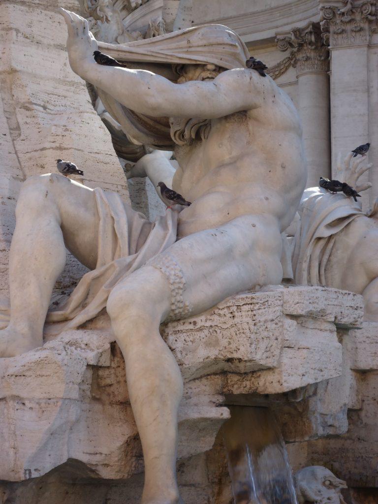 Beeld op Piazza Navona - Waarom Italiaans leren in Rome?