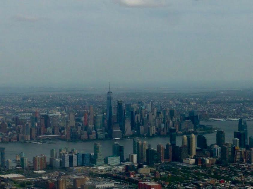 Zicht op NYC vanuit de lucht, Newark Airport, NJ