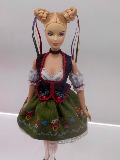 Barbie kledij Oktoberfest Duitsland