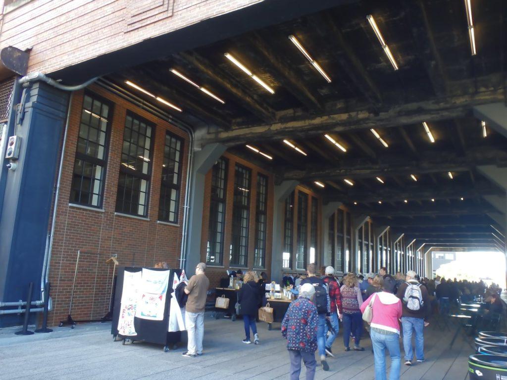 onder Chelsea Market op de High Line