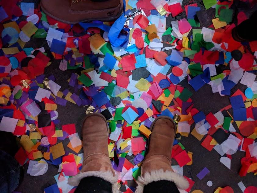 confetti op de grond