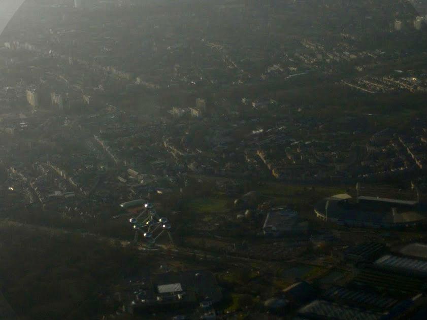 Atomium Brussel vanuit de lucht