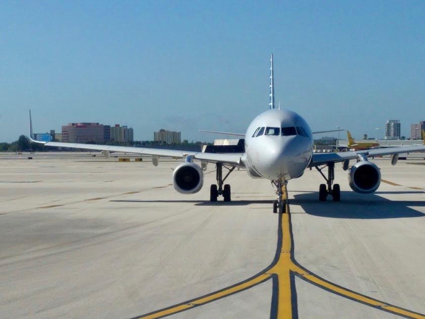 Vliegtuig op het tarmac