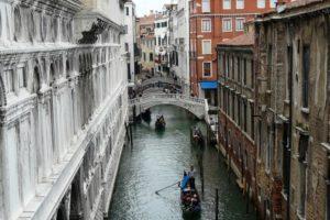 Gondel varen Venetië