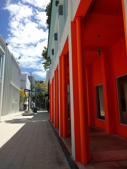 Design District Miami oranje witte muren