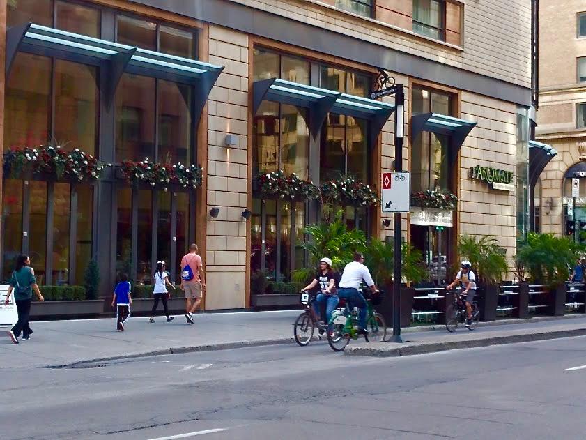 Boulevard de MaisonneuveOuest - fietsostrade - Montréal
