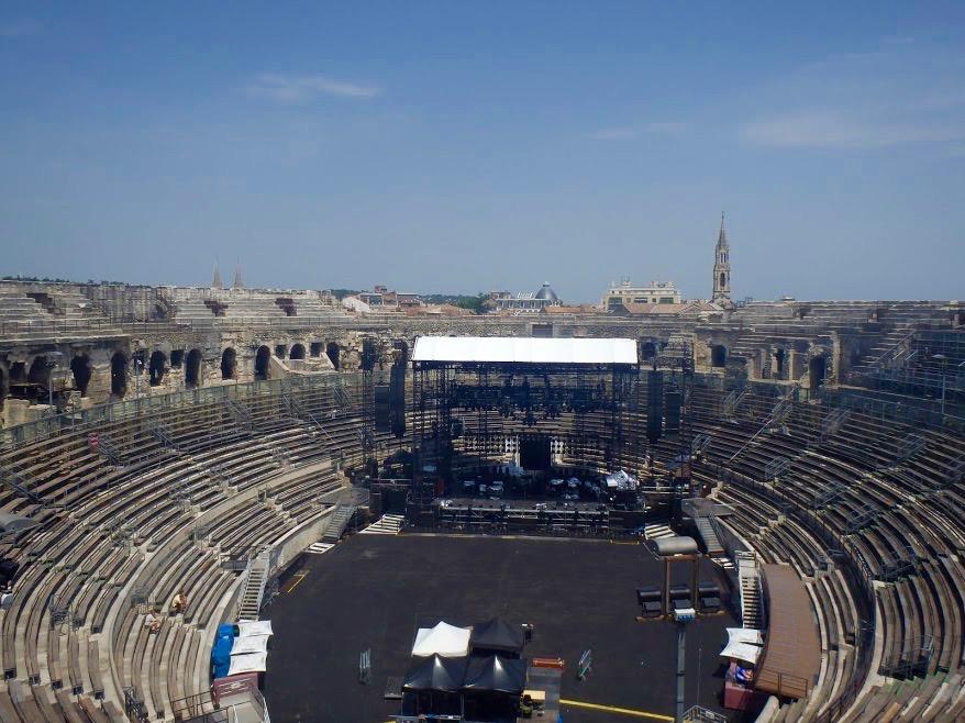Arena van Nîmes vanbinnen