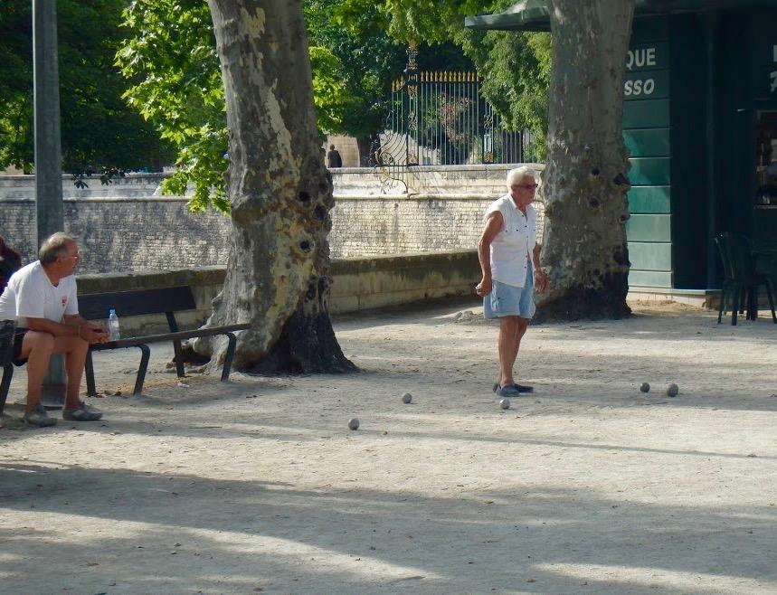 Jeu de boules, pétanque, Nîmes