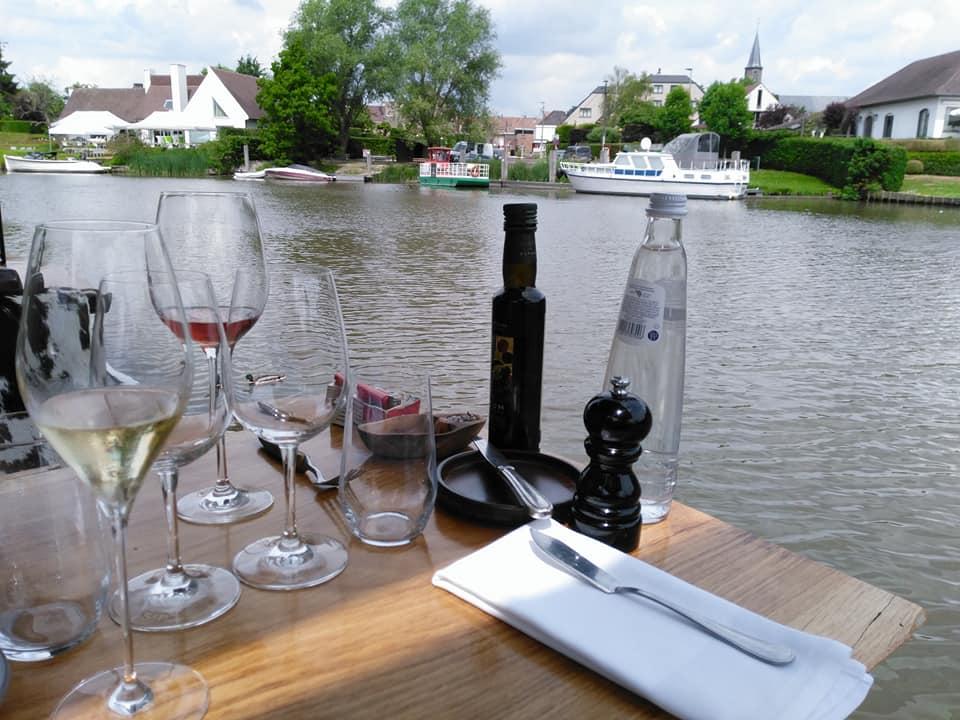 Steiger Baarle 90, bijna eten op het water