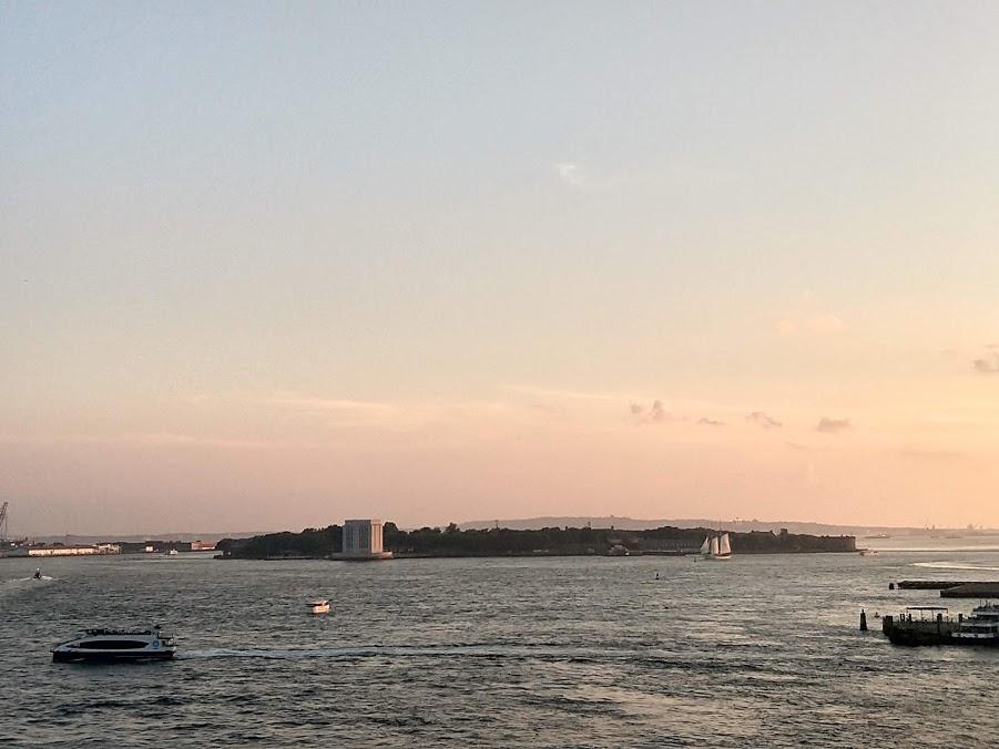 Governors Island bij zonsondergang