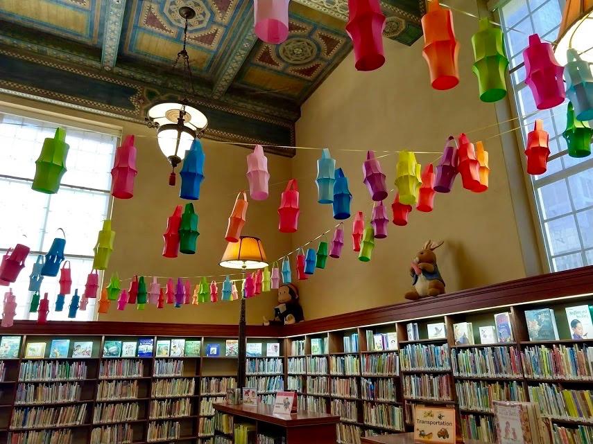 Pieter Konijn in de kinderbibliotheek in de Central Library, downtown LA