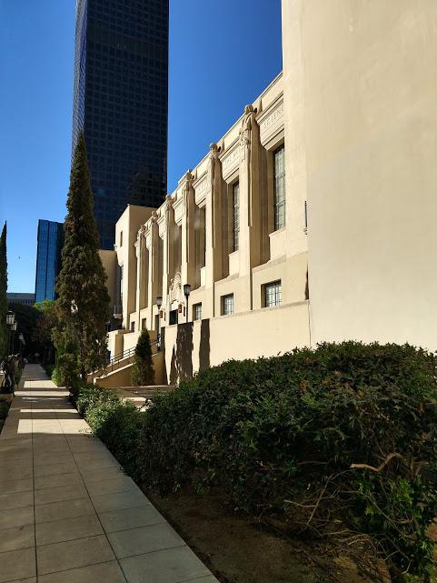 Tuin Central Library downtown LA