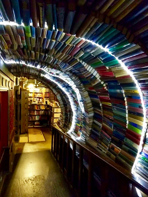 The Last Bookstore downtown LA, boekentunnel