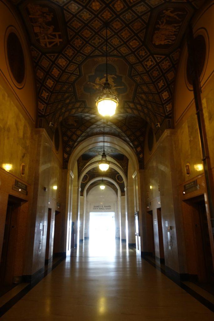 City Hall, downtown LA, liften