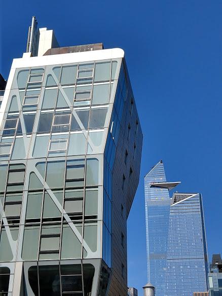 30 Hudson Yards a.k.a. Edge in het midden met observatieplatform