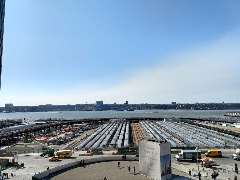 Spoorwerf en Hudson, gezien vanuit The Vessel