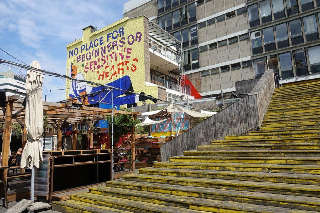 Biergarten luchtsingel, gele trap, Rotterdam