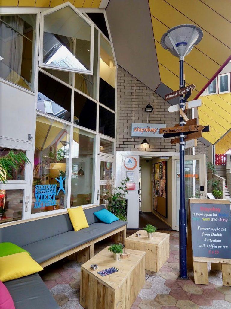 Stayokay hostel gele kubussen Rotterdam
