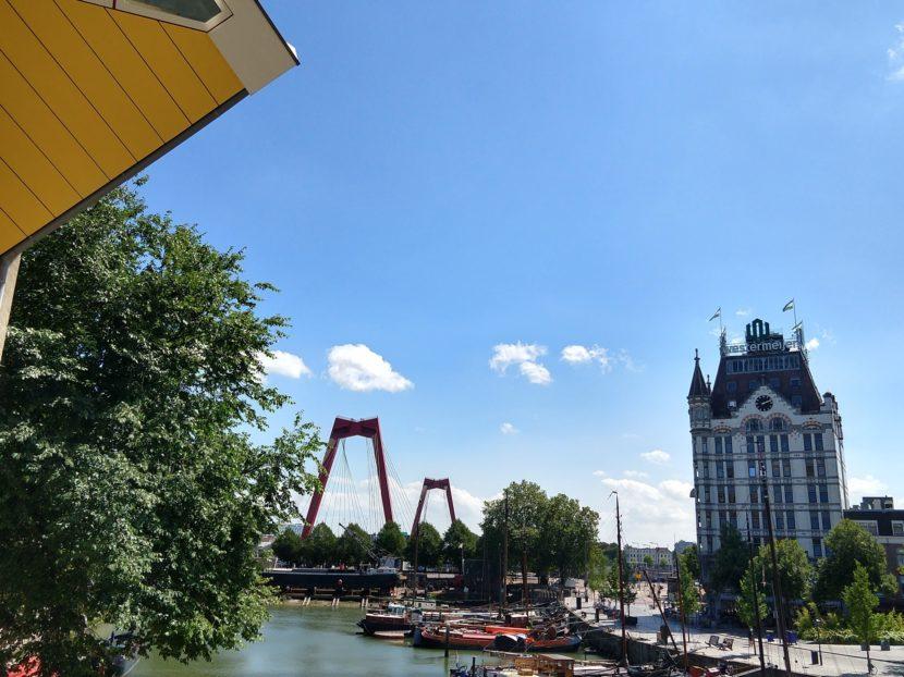 Witte Huis en Willemsbrug aan de Oude Haven in Rotterdam