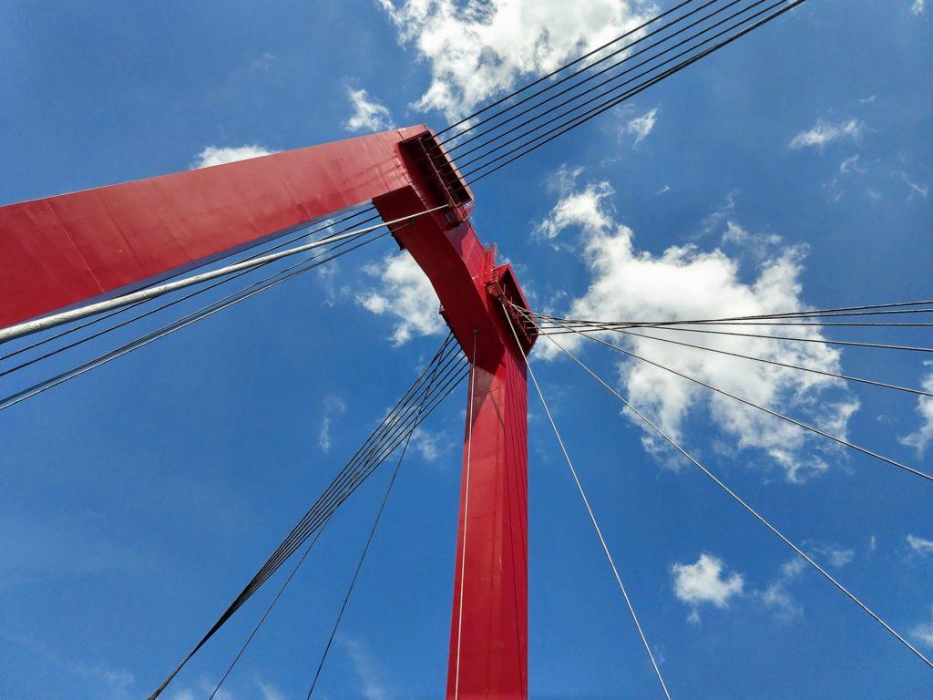 Erasmusbrug, stalen kabels top