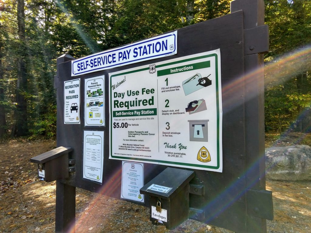 Self-service pay station in de White Mountains, New Hampshire - Herfstrit